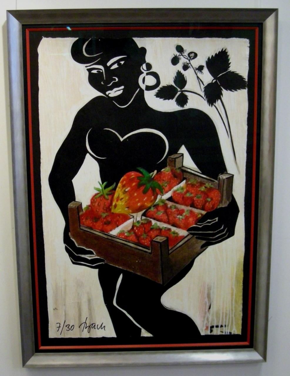 Im schwarzen Erdbeerkraut gerahmt