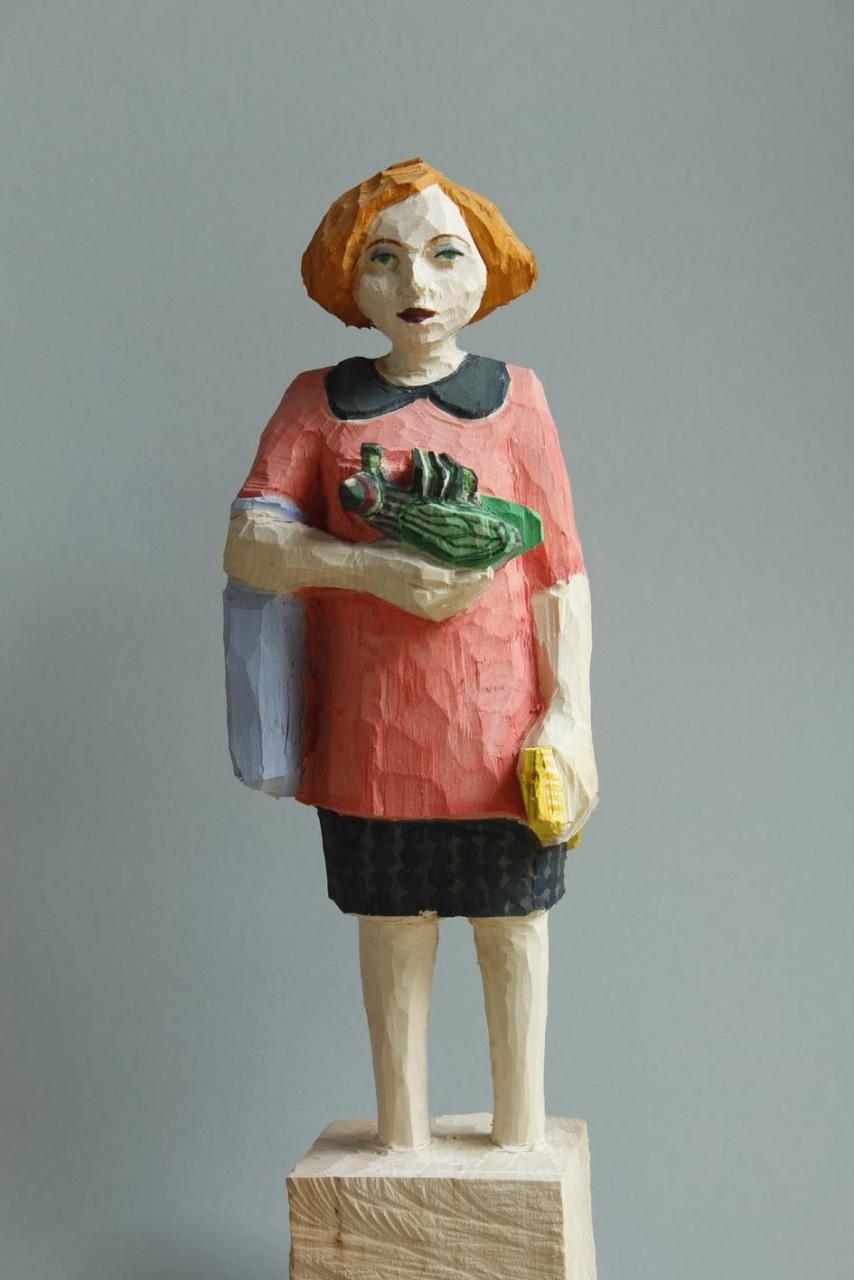 Edeka Frau (825) mit Fliege