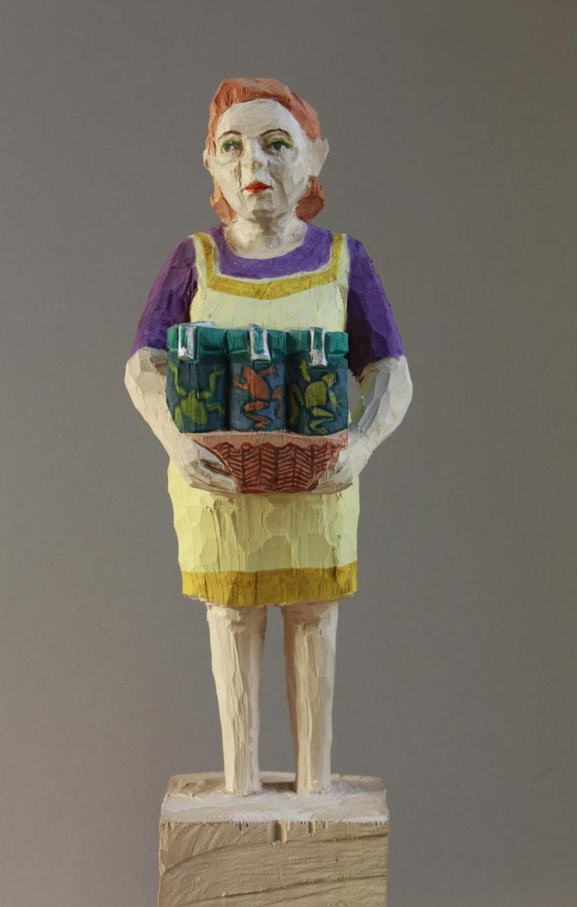 Edeka Frau (815) mit eingemachten Fröschen