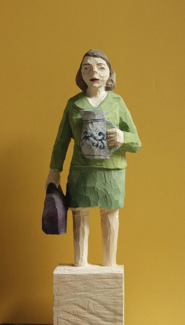 Edekafrau (983) mit Bembel