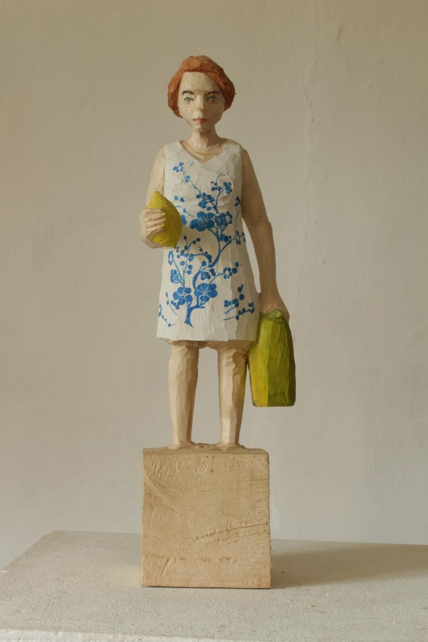 Edekafrau (1247) Blumenkleid und Zitrone