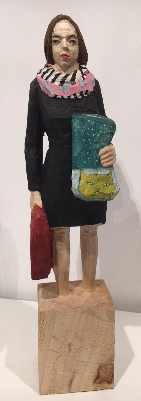 Edekafrau (1230) mit Katzentasche