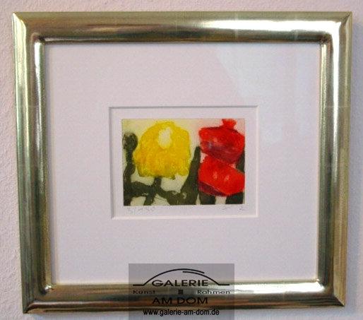 Chrysantheme und Gladiole im Vergolderrahmen