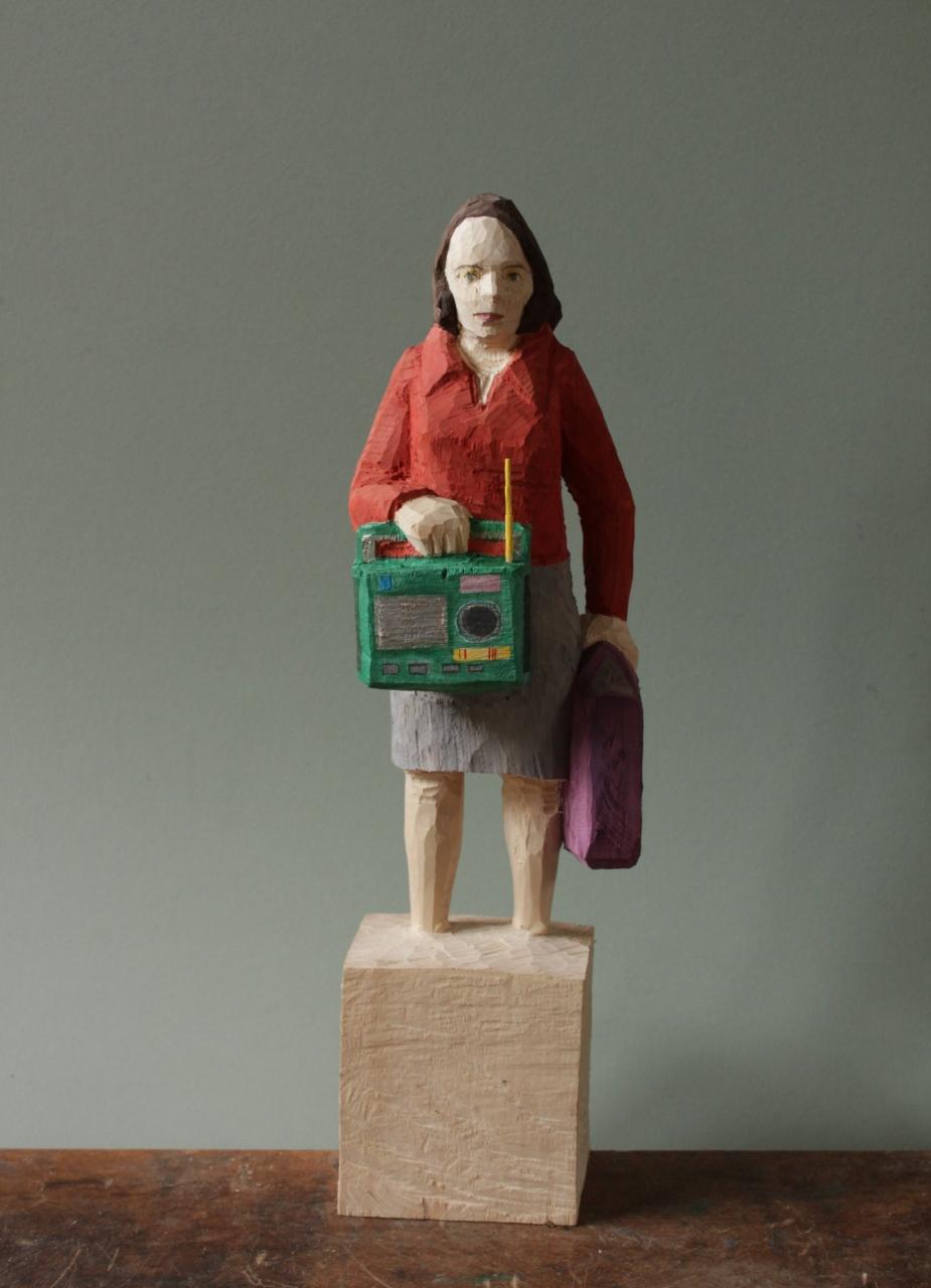 Edekafrau (1386) mit Transistorradio