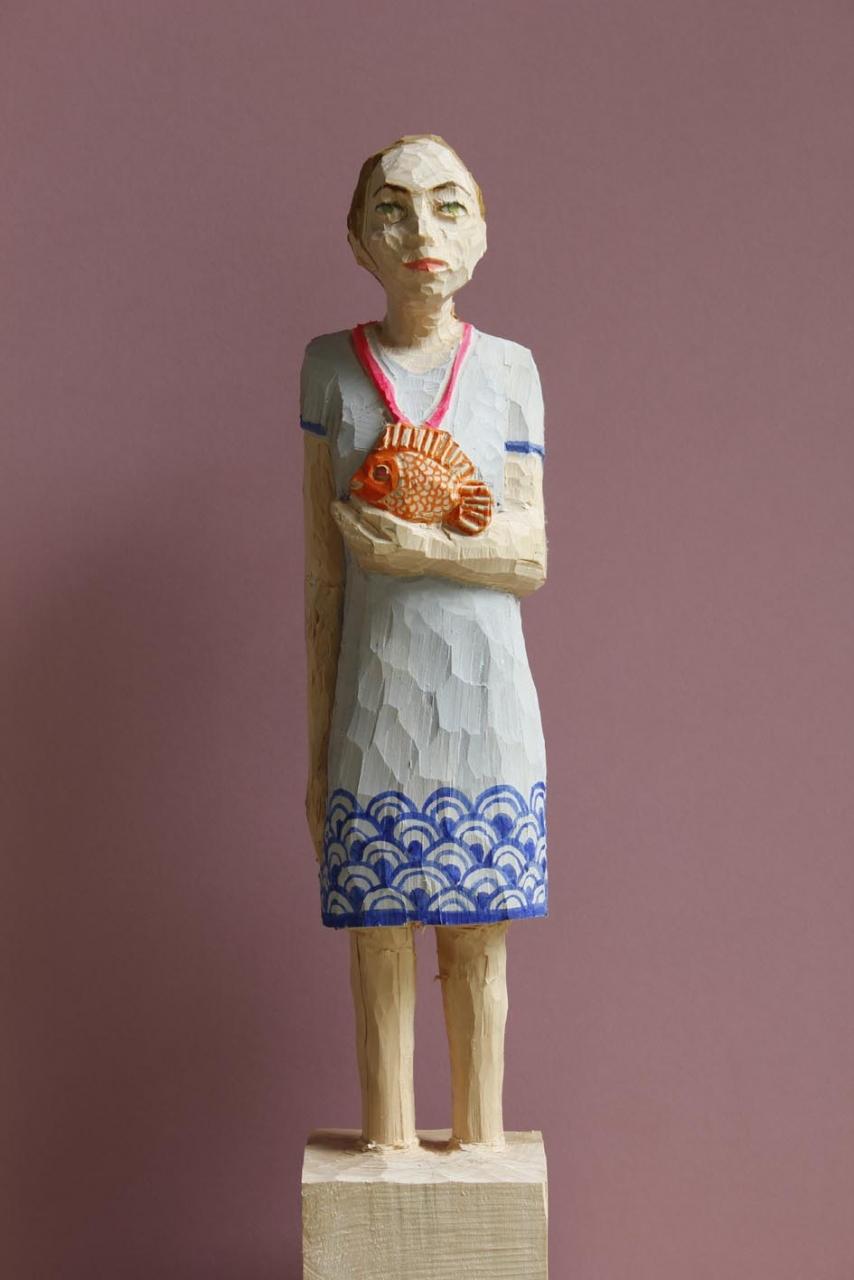 Edeka Frau (828) mit Fisch