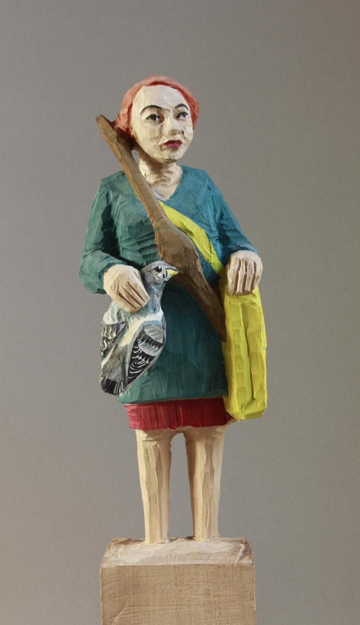 Edeka Frau (812) mit Taube