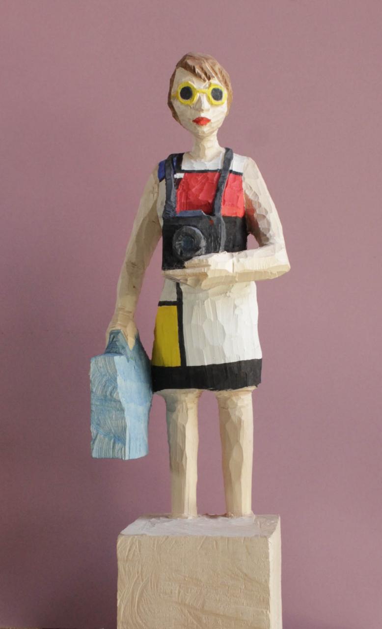 Edekafrau (1011) in Mondrian mit Leica